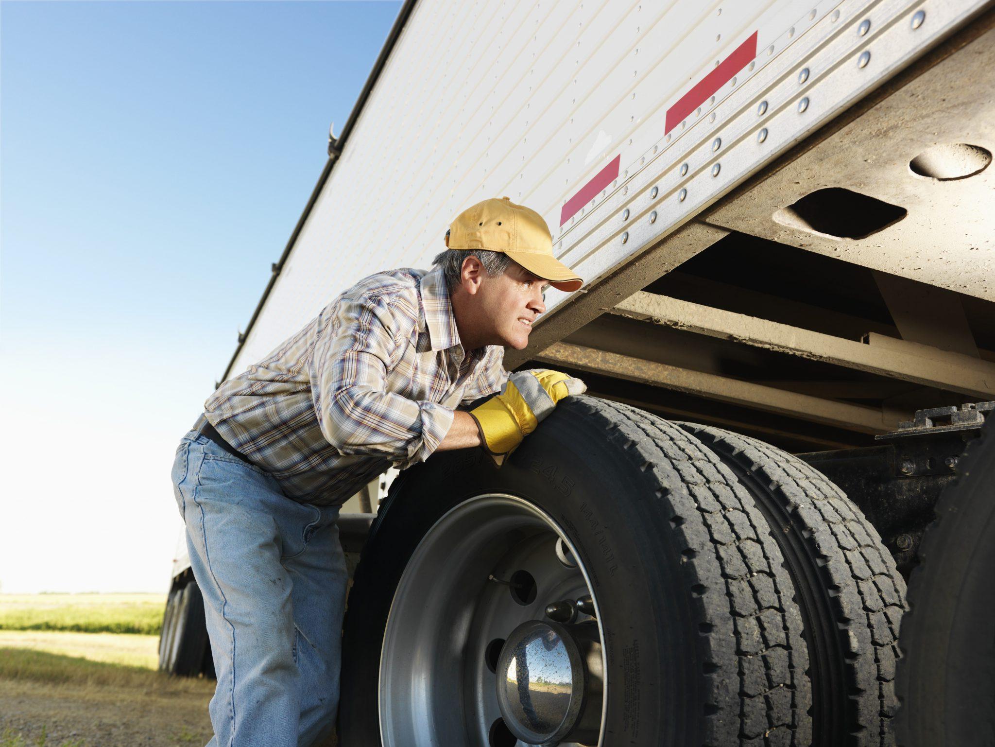 truck service mechanics